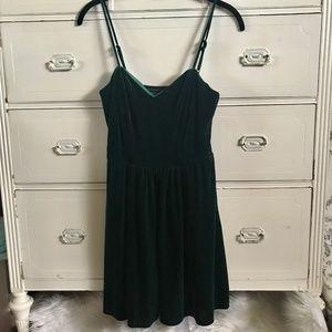 SOCIALITE / Green Velvet Dress / SZ M